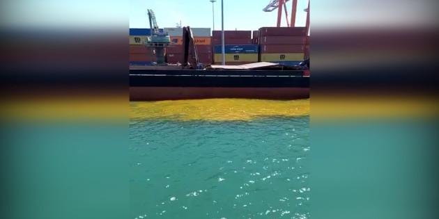 Büyükşehir'den Denizi Kirleten Gemiye Ağır Ceza