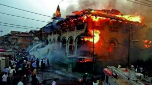 Putperest Hindu vahşeti sürüyor: 48 saatte 4 cami yakıldı