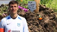 """5 yaşındaki oğlunu boğarak öldüren futbolcunun """"mezar"""" paylaşımı ortaya çıktı: Dünyaya bel bağlamayın"""
