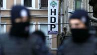 HDP'li 4 belediye başkanı gözaltına alınırken yerlerine kayyum atandı