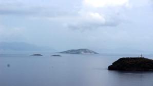 Yunanistan, Kardak kayalıklarının peşini bıraktı