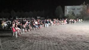 Erdemli'de, Belediye Açık Hava Sineması Gösterimlerine Başladı