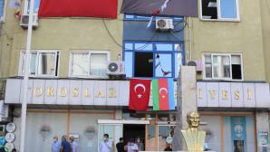 Toroslar Belediyesi'nden, Azerbaycan'a Bayraklı Destek