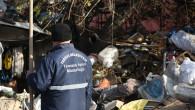 Tarsus'ta Çöp Ev'den 10 Kamyon Evsel Atık Ve Hurda Malzeme Çıkartıldı