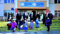 Eğitime Ulaşmada Sorun Yaşayan Öğrencilere Tablet Verildi