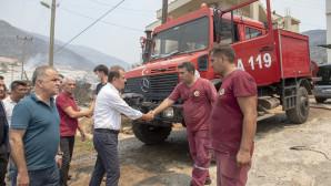 Büyükşehir'in İtfaiye Ekipleri Mersin'deki Yangınla Canla Başla Mücadele Ediyor