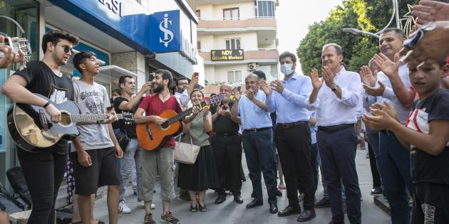 Tarsus'ta Başkan Seçer'e Yoğun İlgi