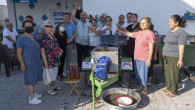 Büyükşehir'den Giritli Köyü'ndeki Renkli Ellere Üzüm Sıkma Makinesi Desteği