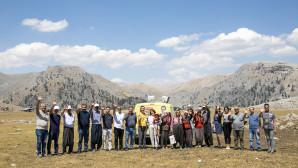 Mersin Büyükşehir'den 2 Bin Rakımdaki Konargöçer Yörükler'e Hizmet