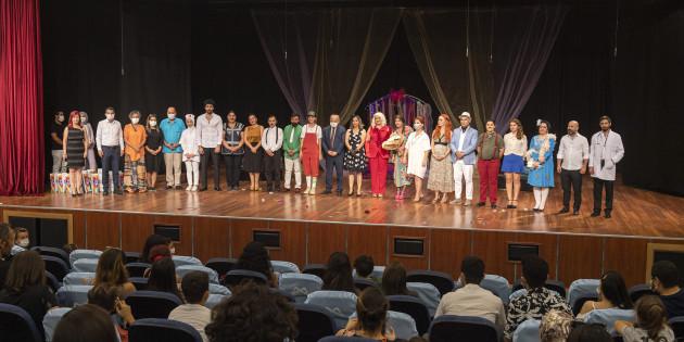 Büyükşehir'in Tiyatro Kulübü İlk Oyununu Sahneledi