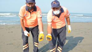 Suriye'den Denize Sızan Petrol, Mersin Sahillerine Ulaştı